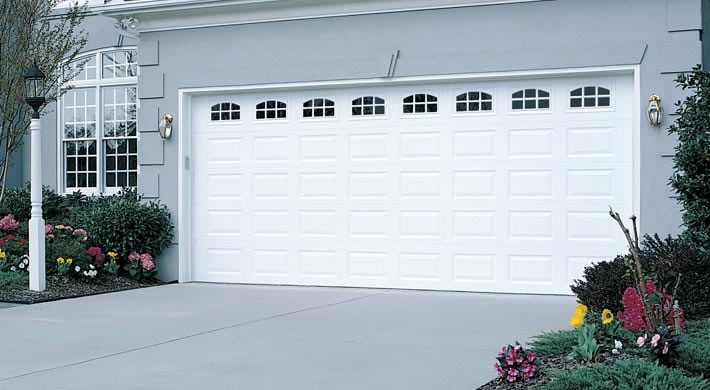 Traditional Short Panel with Cascade Windows White & Garage Door - Traditional Short Panel with Cascade Windows White ...